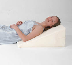 Deluxe/Ultra-Comfort Memory Foam Wedge Pillow (100% Memory Foam) - w/pillow cover