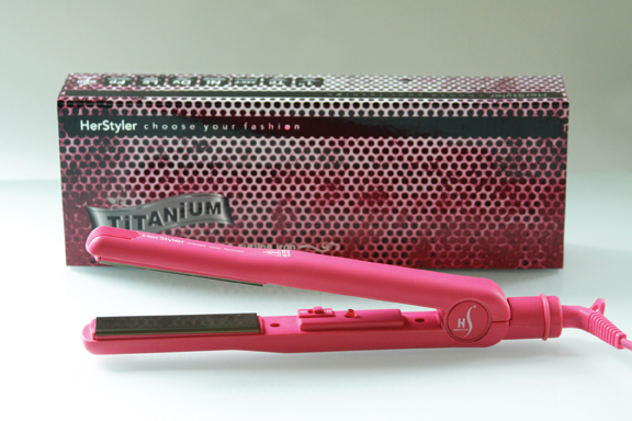 herstyler flat iron reviews Review of herstyler flat iron colorful seasons in purple mila withley, an expert hairstylist, offers her opinion on this high quality hair straightener.